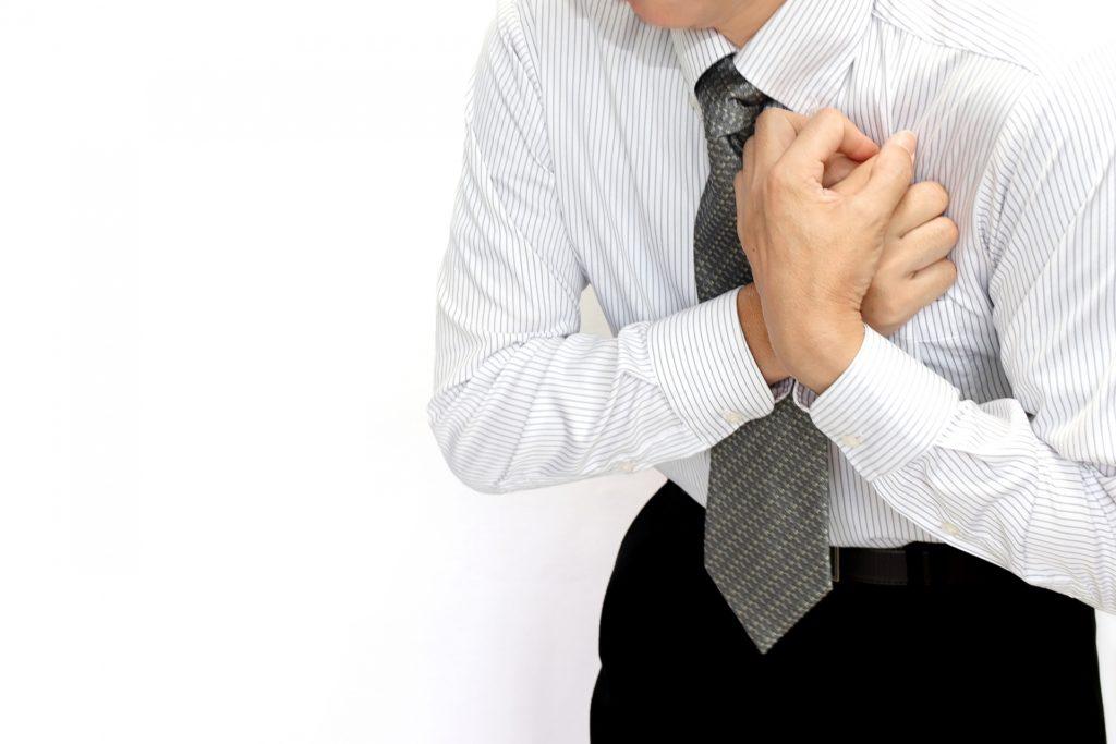 狭心症,心筋梗塞,心臓疾患,発作,胸の痛み,息苦しい,彼氏,命,守る,AED,心肺蘇生法,心臓マッサージ,対処,救命,薬,ニトロ,労作性,安静時,安定,不安定